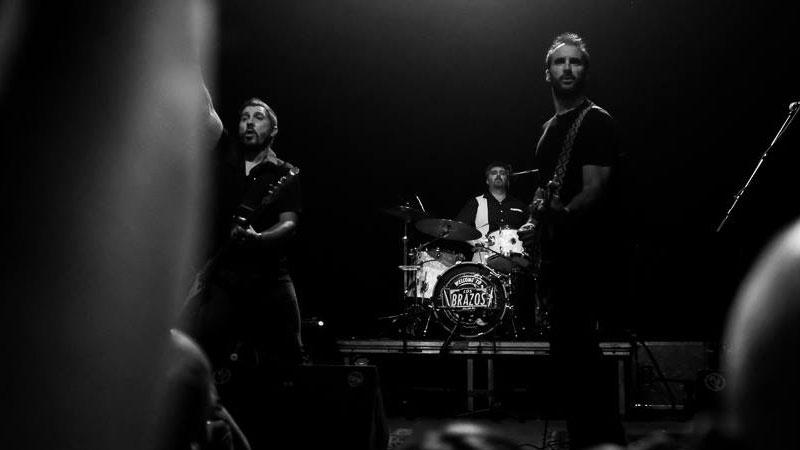 """Los Brazos en directo en el café Antxokia, en Bilbao. Presentando su nuevo trabajo """"Live""""."""
