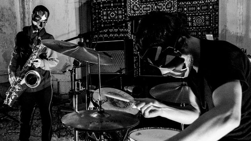 El dúo portugués de free jazz / noise rock, Parpar, en directo