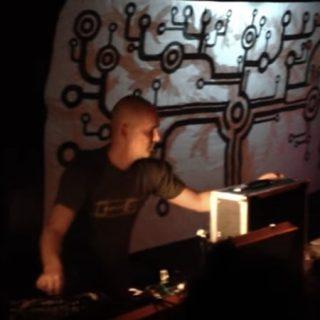 Russ Gabriel en directo