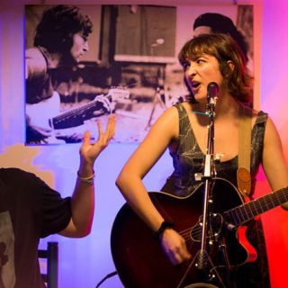 Casa Manuela, dúo musical