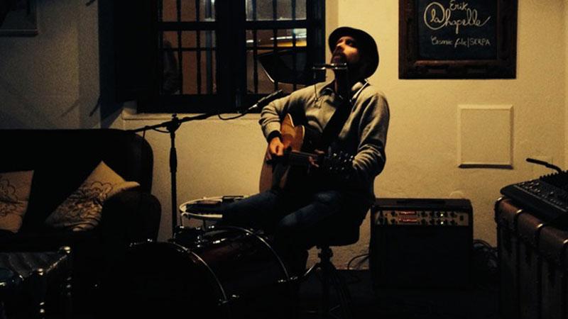 Erik La Chapelle, cantautor de folk cósmico