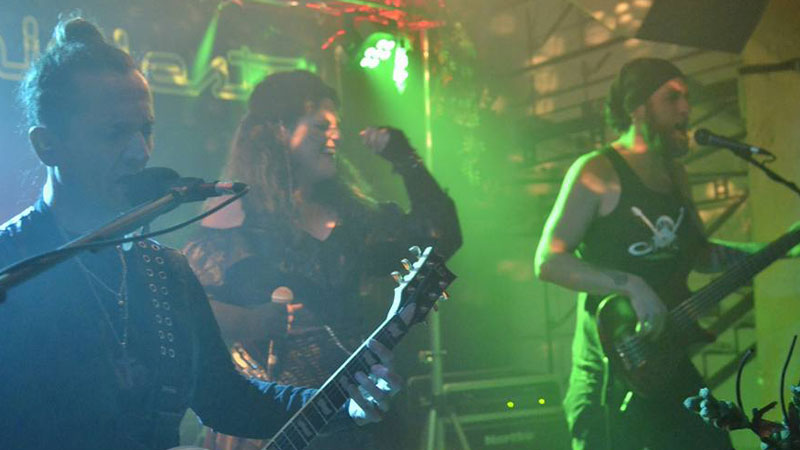 La banda avilesina Manifiesto X en directo