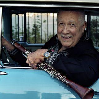 Foto promocional de Paquito D'Rivera con su clarinete