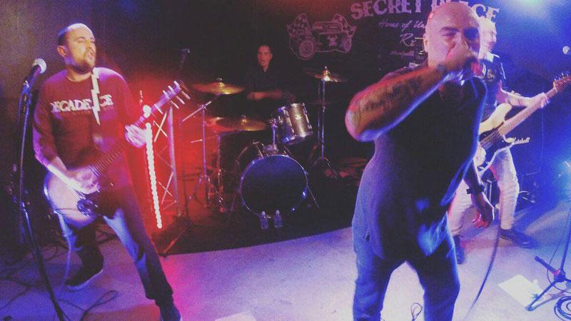 La banda La Inquisición en directo