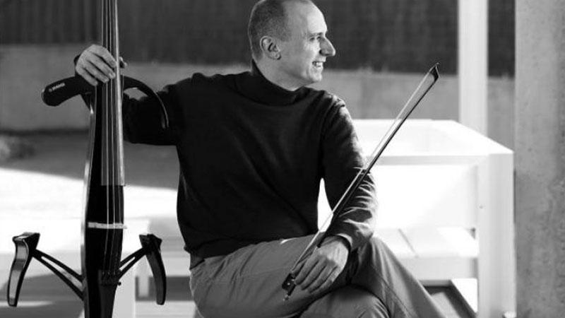 Foto de el violonchelista Iagoba Fanlo, que interpretará en estreno una obra de Maria Teresa Prieto
