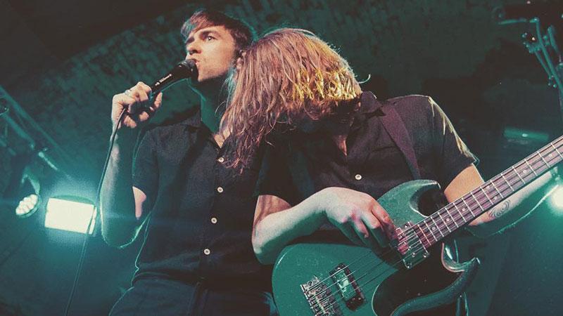 Foto del cantante y guitarrista de la banda británica The Vaccines en directo