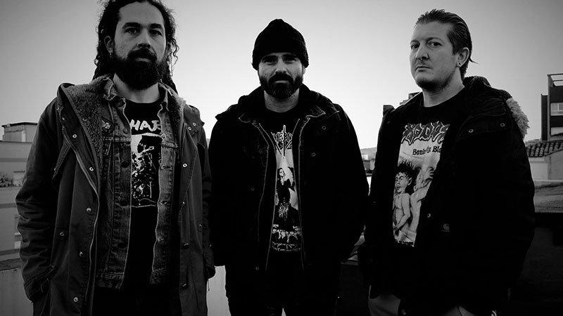 Foto de los tres integrantes de Grimä