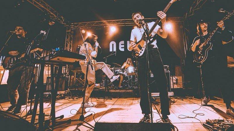 Foto de la banda Holy Bouncer tocando en directo
