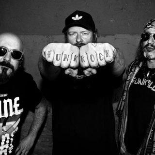 Foto de los tres miembros originales de O' Funk'illo (foto de Manuel Naranjo)