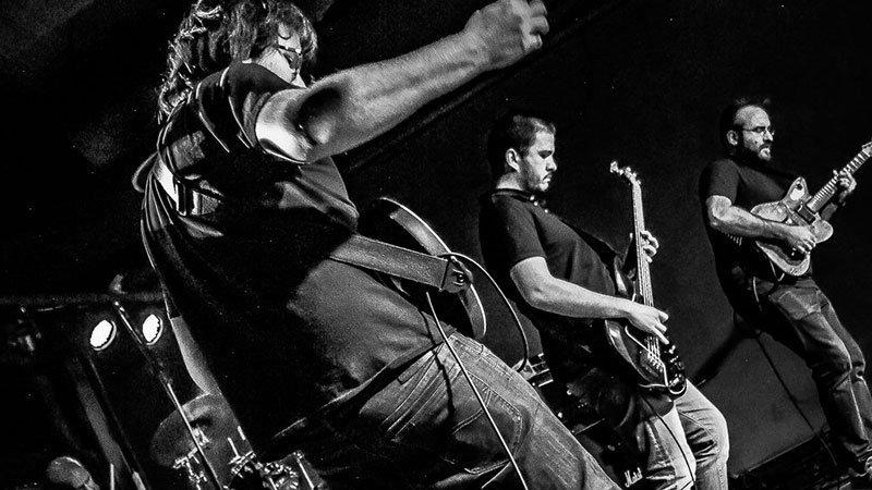 Foto de la banda Sekba tocando en directo