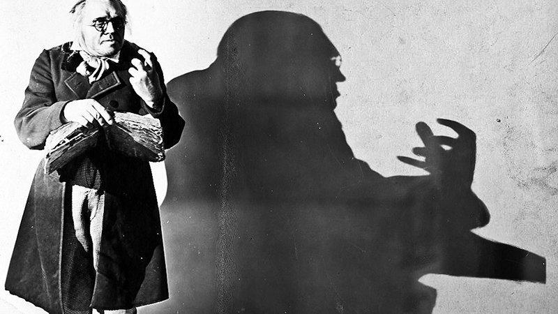 Fotograma de una mítica escena de El gabinete del doctor Caligari