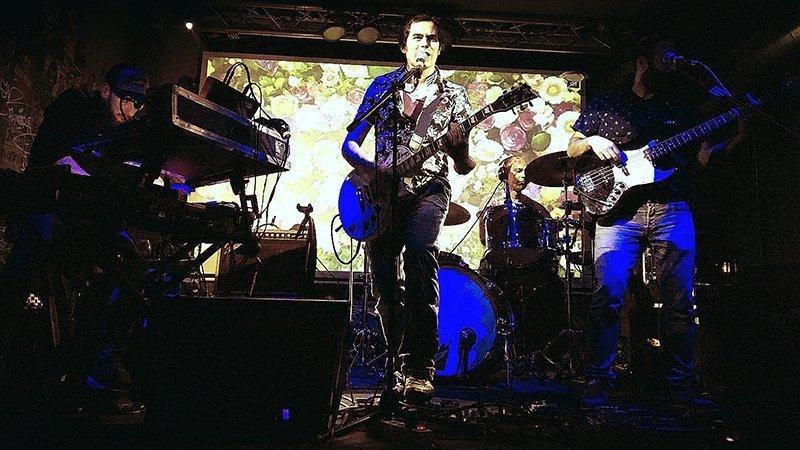 Foto de Moncada Veinte tocando en directo