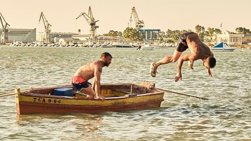 Fotograma de la película Entre dos aguas