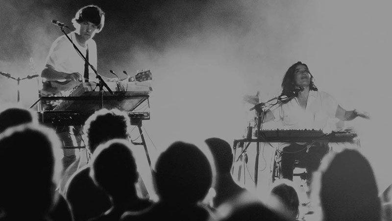 La banda francesa de synth pop, Katcross, en directo