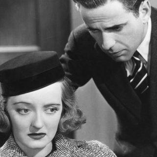 Fotograma de la película Marked woman