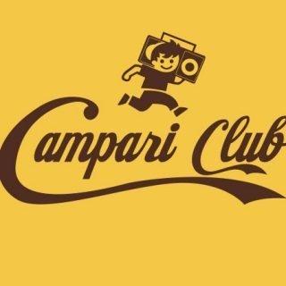 Logotipo similar al mítico logo de Cacaolat, en el que puede leerse Campari Club y se ve el dibujo del niño de la mítica marca pero con un radiocasete al hombro, en lugar de una botella