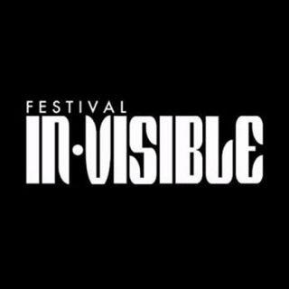 Logotipo del Festival In-Visible en el que se puede leer el nombbre del evento en texto blanco sobre fondo negro.