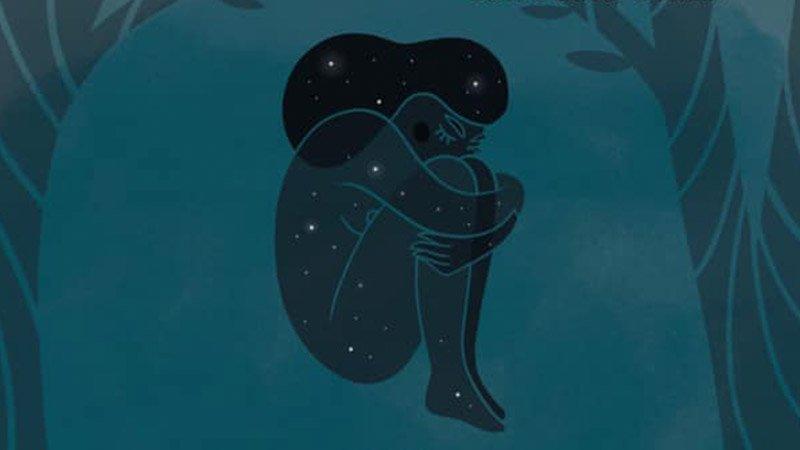 Detalle de la portada del libro Nocturnas en el que se ve la ilustración de una chica en posición fetal con estrellas brillando dentro de su cuerpo.