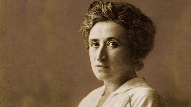 Imagen en primer plano de Rosa Luxemburgo